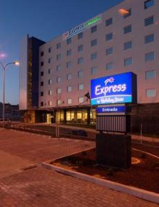 Hotel Holiday Inn Express Oeiras